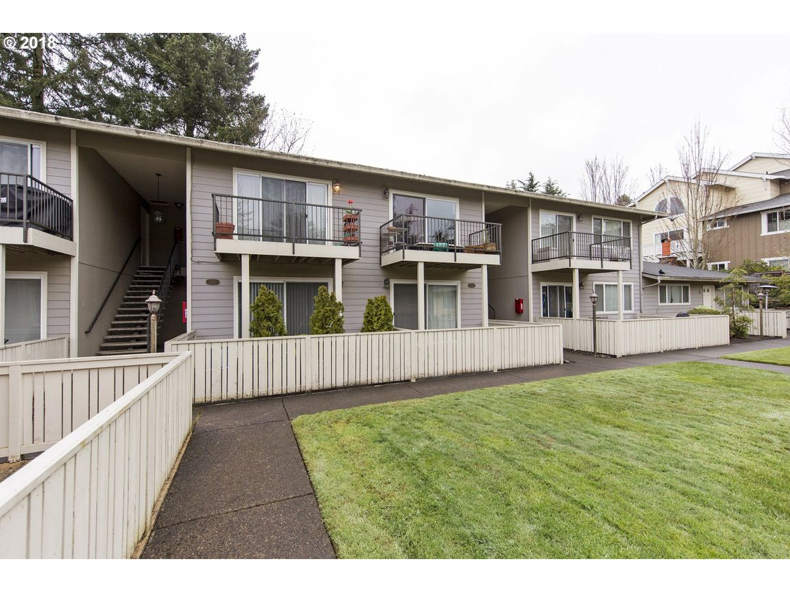 2529 SW SPRING GARDEN ST #8 Portland OR 97219 id-1297429 homes for sale