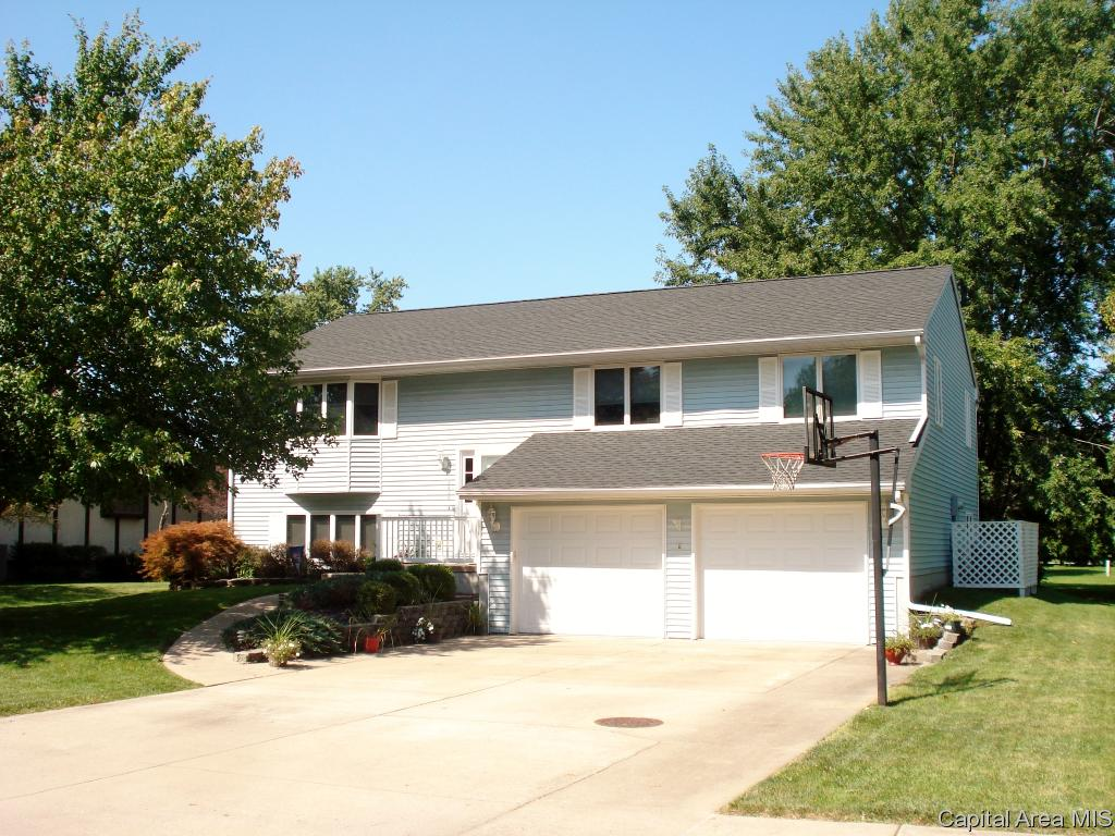 2426 COSTA DRIVE Galesburg IL 61401 id-400056 homes for sale